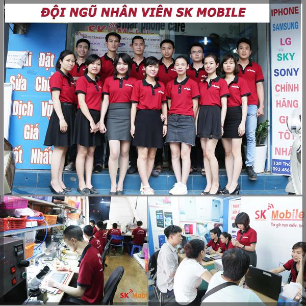 nhan-vien-co-trinh-do-cao-thay-man-hinh-samsung-galaxy-note-3-tai-skmobie-ha-noi